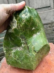 Large piece of polished Green Opal - 22 x 19 x 18 cm - 6.56kg
