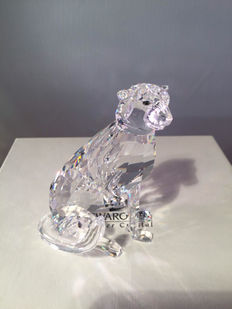 Swarovski - sitting cheetah