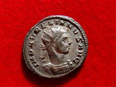 Roman Empire - Aurelian (270 - 275 A.D.) silvered antoninianus (3,85 g. 22 mm.) from Rome mint, 274 A.D., ORIENS.AVG. V / XXI.