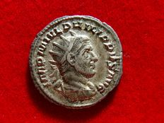"Roman Empire - Philip I ""the Arab"" (244-249 AD), silver antoninianus (4,10 g. - 22 mm), Rome, AD 244-247. SECVRIT ORBIS."