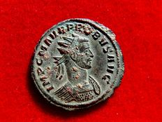 Roman Empire - Probus (276-282 A.D), bronze antoninianus (3,67 grs. 22 mm), Siscia mint, 277 AD. VIRTVS PROBI AVG. XXIII. Trophy and captives.