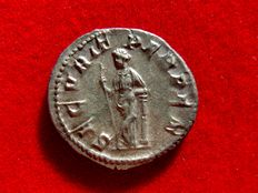 Roman Empire - Gordian III (238 - 244 A.D.) silver antoninianus (3,90 g. 23 mm.) from Rome mint, 244 A.D. SECVRIT PERP.