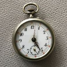 Silver niello - pocket watch - 10 jewels - around 1900.