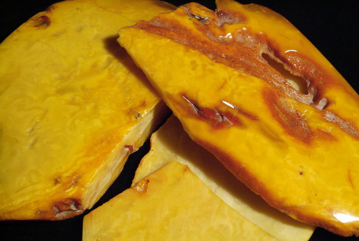 Rough Amber with beautiful patterning cut in plates - Butterscotch - 340g