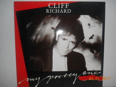 Cliff richard ''lot of 20 albums  incl 3 double albums and 1  very rare 12'' single''