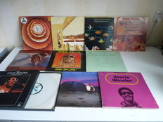 Ultimate STEVIE WONDER lot,essential albums present:Songs in the key of live(2lp),Hotter than July,Looking Back(3lp),the Stevie Wonder Collection 4lpBox,Original Musiquarium(2lp),In Square Circle,Secret Life of Plants(2lp),Talking Book,Innervisions &other