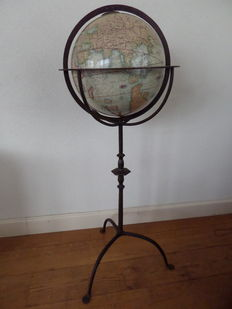 Globe on cast iron stand - can rotate