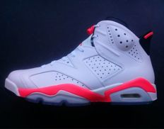 Nike - Sneakers  Air Jordan 6 Retro 2014 - Difficult to find in store