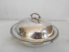 Antique round silver plated dish with lid and handle - Origin: England, 1950s