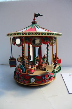 Holiday Fair, Christmas Musical Carousel by Mr. Christmas with 6 moving gondolas, + 42 songs, Mr. Cristmas New York