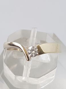 14 kt white and yellow gold ring with diamond – brand: Diamonde – size: 18 mm – no reserve price