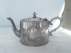 Victorian silver-plated teapot by James Deakin & Sons - England, ca. 1922