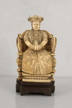 Ivory sculpture – China – Early 20th century