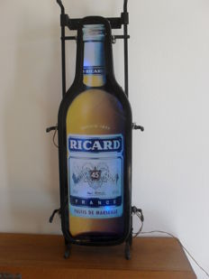 Neon sign in the shape of a Ricard bottle - unknown year 1980
