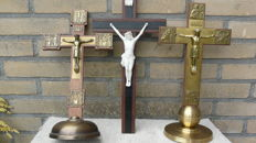 Monastery item: lot of 3 crucifixes - wood and bisque and copper/brass - 1920s and 1930s