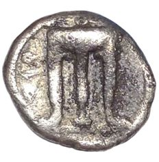 The Greek Antiquity - Bruttium, Kroton c. 525-425 BC - AR Triobol (Silver, 12mm, 1,19g.) - Tripod / Pegasus - Rutter HN 2127; SNG ANS 323-9 - Scarce