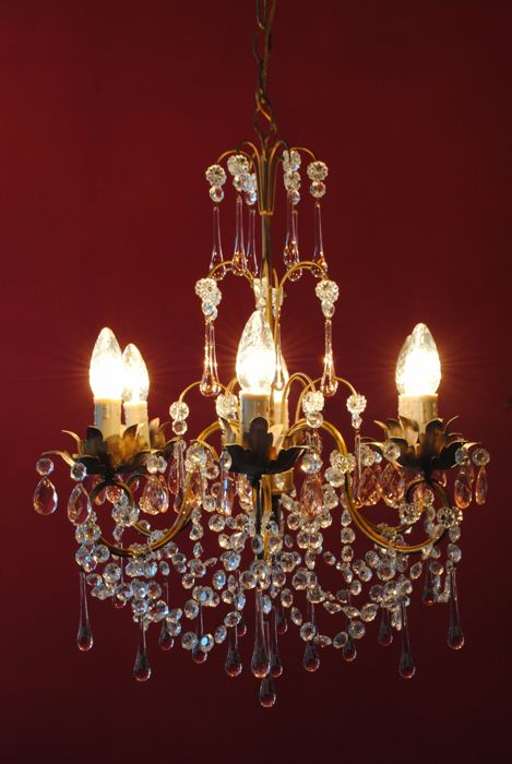 Beautiful Romantic Italian lustre with tear-shaped glass crystals, Italy, 1940s