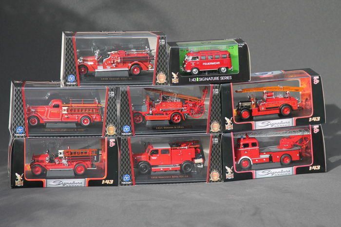Signature - Scale 1/43 - Lot with 8 fire trucks