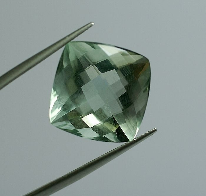 Fluorite - green - 24.63  ct - NO RESERVE PRICE