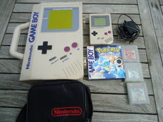 Nintendo Classic Gameboy with games and case. Games like Pokemon Blue boxed