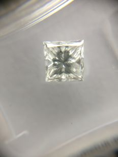 0.90 ct Princess cut diamond D VVS1