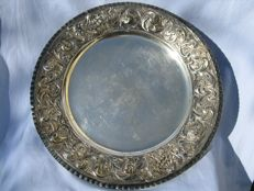 Embossed and chiselled 800 silver centrepiece tray - Italy, early 20th century - 696 grams