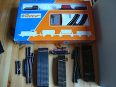 Roco H0 - 41040 - locomotive with 2 wagons, transformer and rail set with extra locomotive and rails