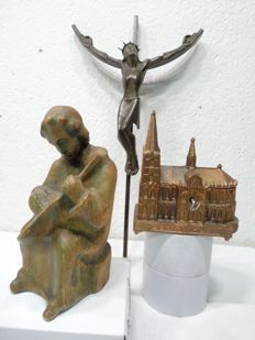 Wooden figurine - bronze crucifix on iron cross and Cologne Cathedral Church as music box - Germany - mid 20th century