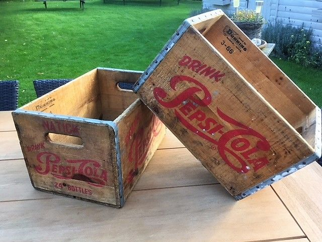 2 Pepsi Cola USA boxes, year 1964 and 1966, 24 bottles