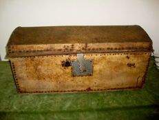 Large lived leather case riveted with nails - ca. 1900