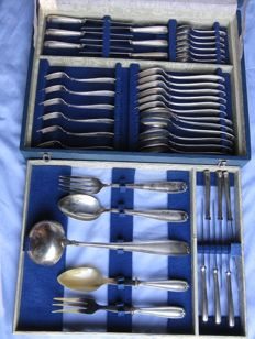 Clementi cutlery set for 6, 41 pieces in Silver 800 with original case - Italy, mid-20th century - weight 2730 grams