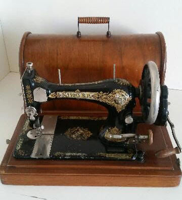 Old Singer Sewing Machine with Wooden Cover, 1896