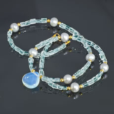 Aquamarine, Pearl and Moonstone necklace – Length 48.5 cm, 14kt/585 yellow gold clasp