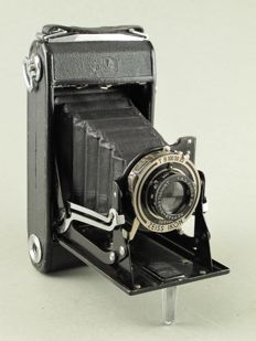 Zeiss Ikon NETTAR, early model 515/2 with cable release
