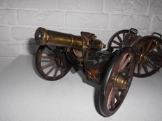 Gatling 1883 Hartford Connecticut in the version of a cannon with trailer, USA, Wonderful combination and beautifully made!