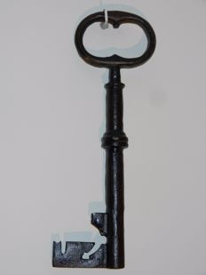 Key in wrought iron - France - 17th - 18th century