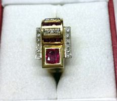 18-kt 11-g Yellow Gold Ring with 2.4-ct Ruby and 0.36-ct Diamonds - Size: 7 (IT) (Internal Diameter: 15 mm)