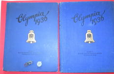 OLYMPIA 1936 2 VOL. Berlin and Garmisch-Partenkirchen Cigaretten bildendienst Hamburg+Bahrenfeld con 2 original Pins