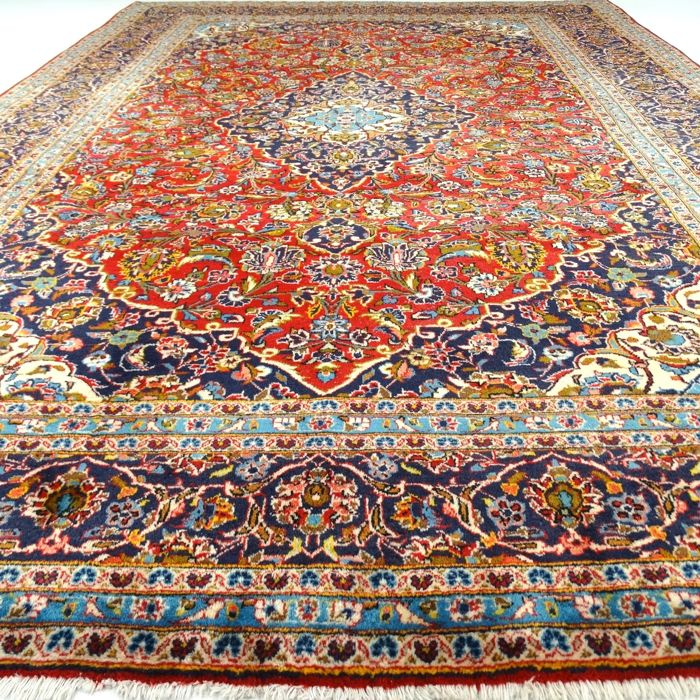 "Keshan – 357 x 245 cm. - ""XL-Persian rug in stunning used condition"" - With certificate."