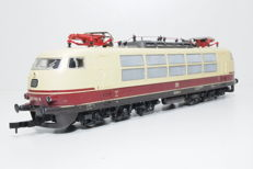 Roco H0 - 04146A - Electric locomotive Series BR 103 of the DB in TEE livery
