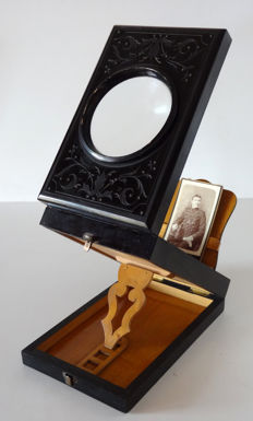 Graphoscope made of blackened wood, light wooden interior//size 21.5 x 14 x 7 cm