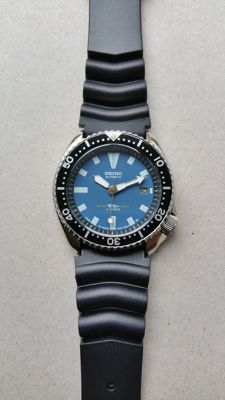 Seiko 7002 - 42 mm Blue Submariner 1985–1995