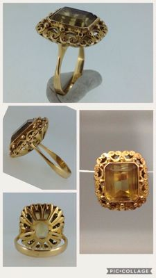 Ring in 18 kt gold with smoky quartz