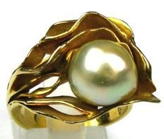 Handmade unique ring - 18 kt / 750 yellow gold with baroque South Sea Pearl approx. 10.4 x 11.2 mm