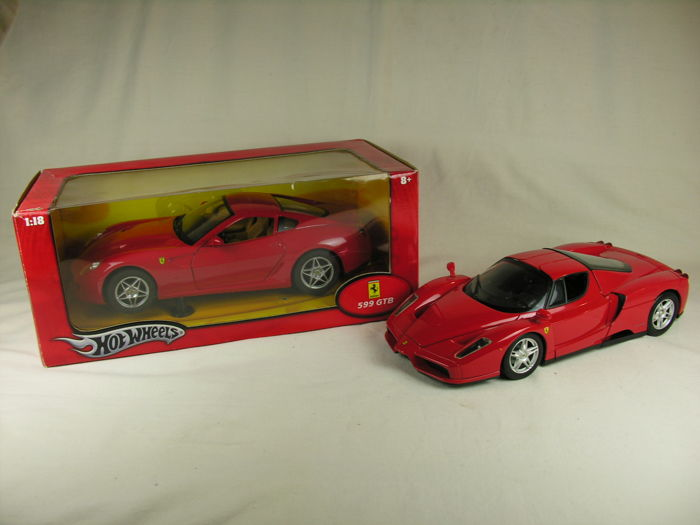 Hot Wheels - scale 1/18 - Ferrari 599 GTB and Enzo Ferrari - red