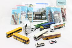 Scenery H0 - set with various Dutch buildings, signals and cars/trucks