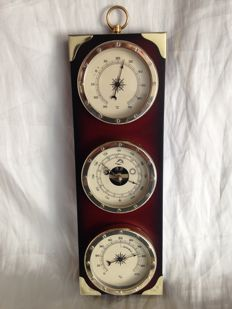 Sailor weather station. Barometer - hygrometer - thermometer