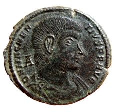 Roman Empire - Magnentius. AD 350-353. Æ (25 mm, 6,01 g, 11h). Aquileia mint, 2nd officina. Struck AD 350-351. GLORIA ROMANOVRVM