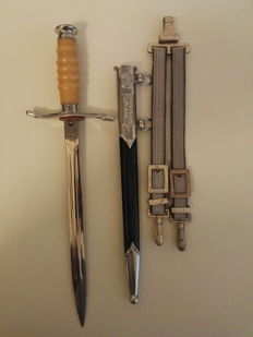 Dagger of the NVA GDR land forces with hangers