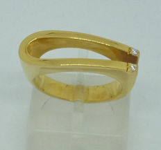 18 kt gold Ladies ring with diamonds - size 54,5